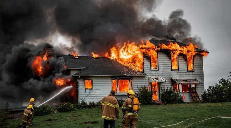 Giải mã nằm mơ thấy cháy nhà